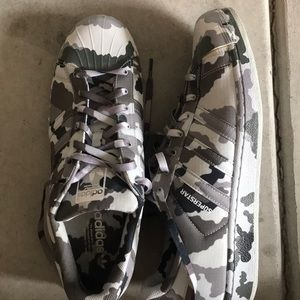 54fb74afa adidas Shoes - Adidas Superstar (graphic pack)